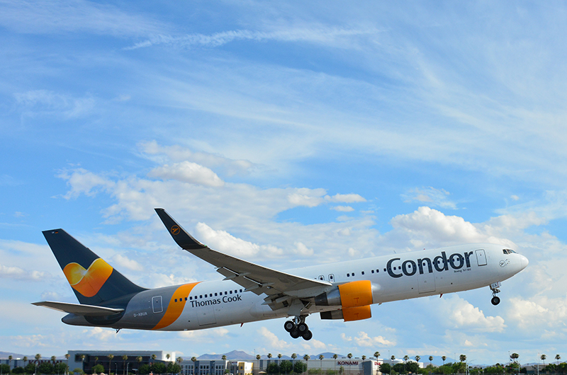 'news' from the web at 'https://www.mccarran.com/FSWeb/assets/LAS/images/images_news/news_Condor_Thomas_Cook.jpg'